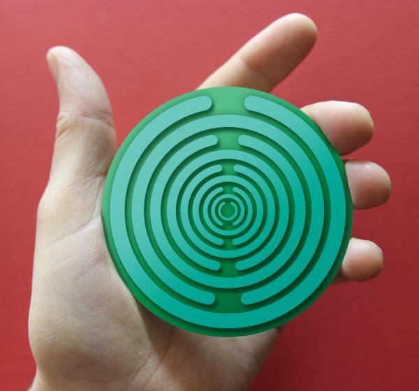 saka crvena podloga – nacrtan disk – Nenad